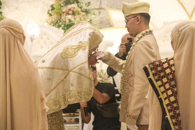 Wedding of Intan & Yudhi by Indonesia Convention Exhibition (ICE) - 006