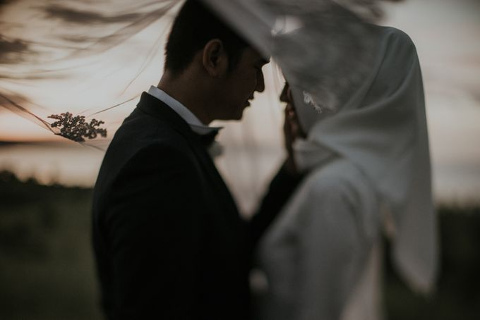 Rio & Hani Sumba Engagement Session by Calia Photography - 004