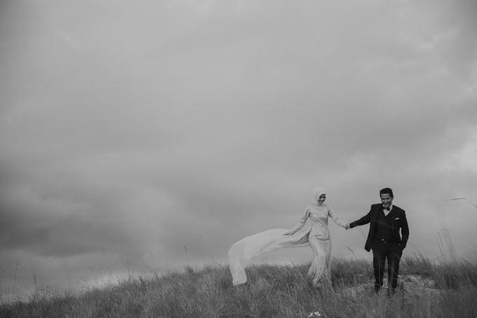 Rio & Hani Sumba Engagement Session by Calia Photography - 018