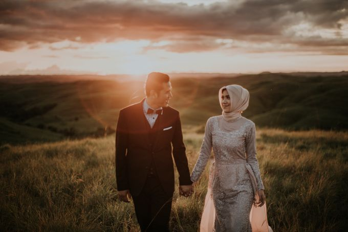 Rio & Hani Sumba Engagement Session by Calia Photography - 023