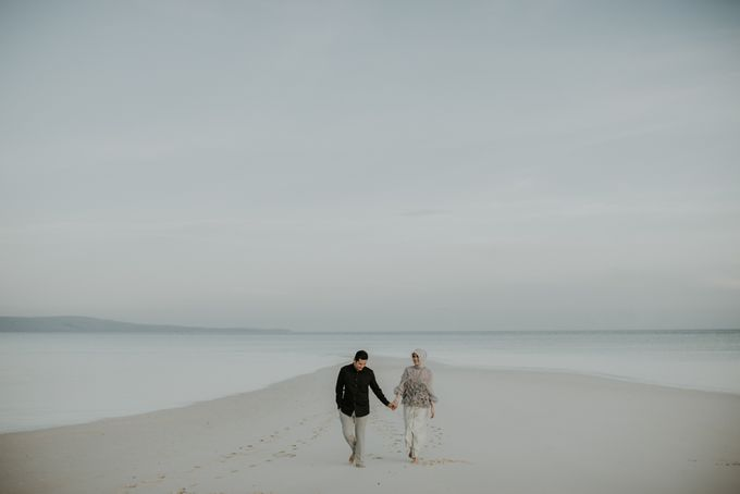 Rio & Hani Sumba Engagement Session by Calia Photography - 029
