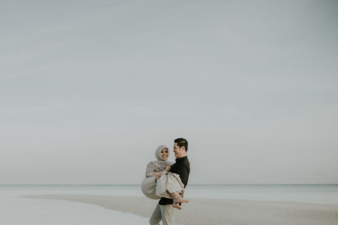 Rio & Hani Sumba Engagement Session by Calia Photography - 031