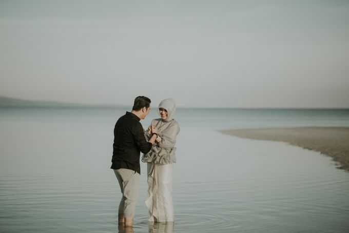 Rio & Hani Sumba Engagement Session by Calia Photography - 033