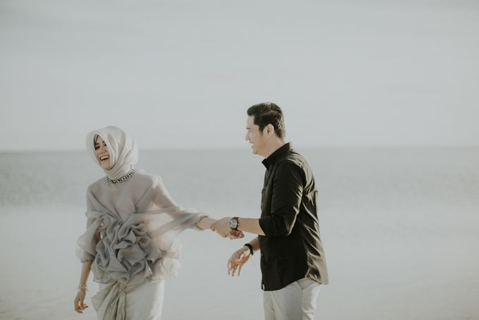 Rio & Hani Sumba Engagement Session by Calia Photography - 034