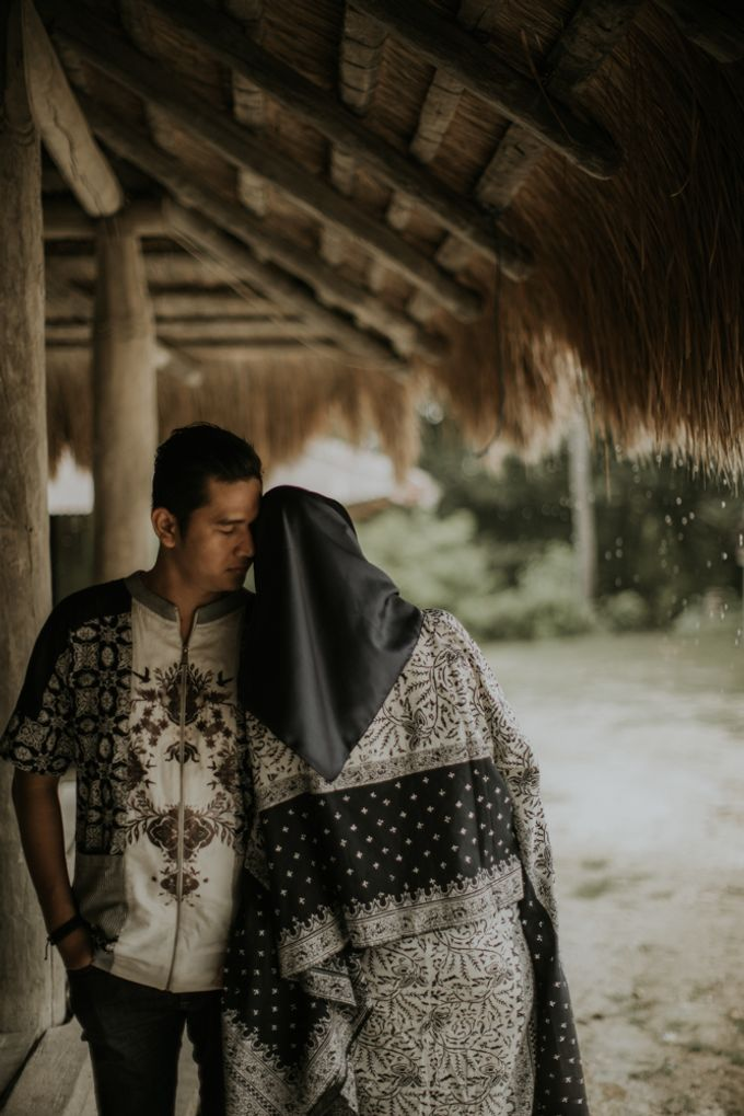 Rio & Hani Sumba Engagement Session by Calia Photography - 044