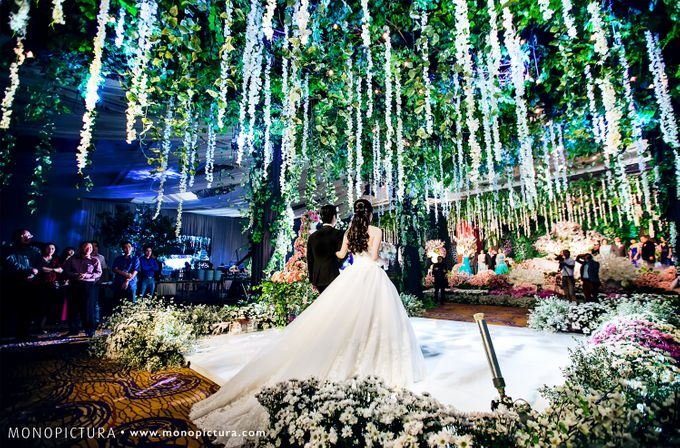 Surabaya wedding by ted by monopictura bridestory add to board surabaya wedding by ted by shangri la hotel surabaya 004 junglespirit Images