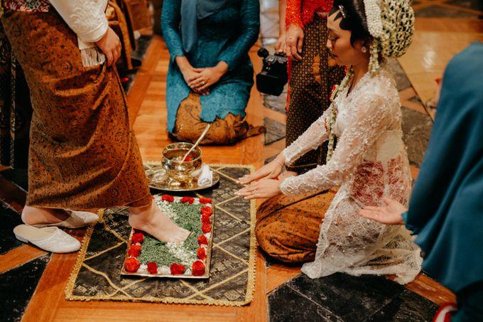 Panggih Ceremony of #BerKatNikah by ProjectDEA Wedding Planner - 011