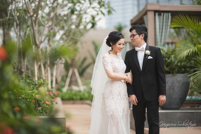 Lovely Wedding of Ramon & Joannita by Gregorius Suhartoyo Photography - 039
