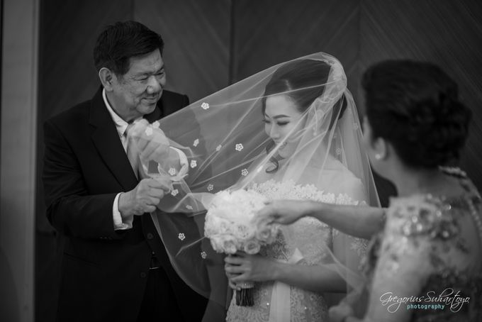 Lovely Wedding of Ramon & Joannita by Gregorius Suhartoyo Photography - 041