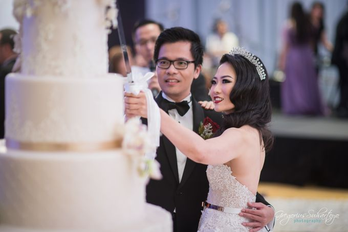 Lovely Wedding of Ramon & Joannita by Gregorius Suhartoyo Photography - 048