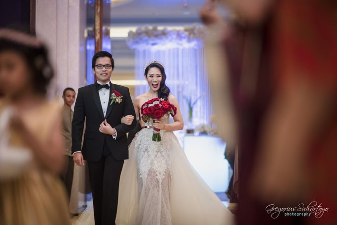 Lovely Wedding of Ramon & Joannita by Gregorius Suhartoyo Photography - 047