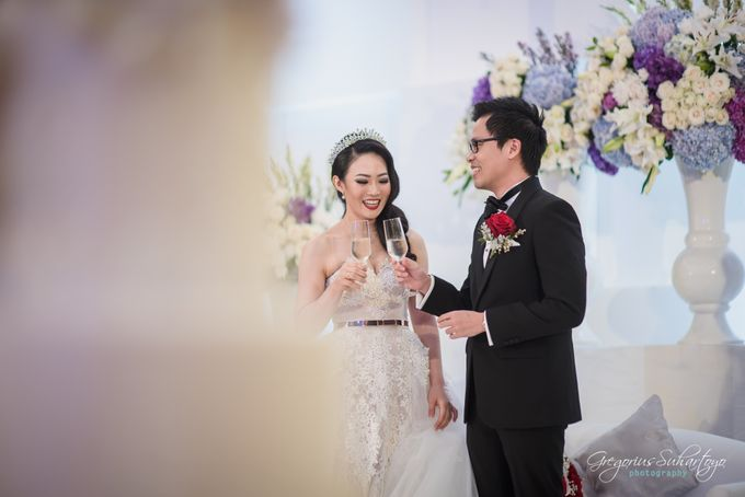Lovely Wedding of Ramon & Joannita by Gregorius Suhartoyo Photography - 049