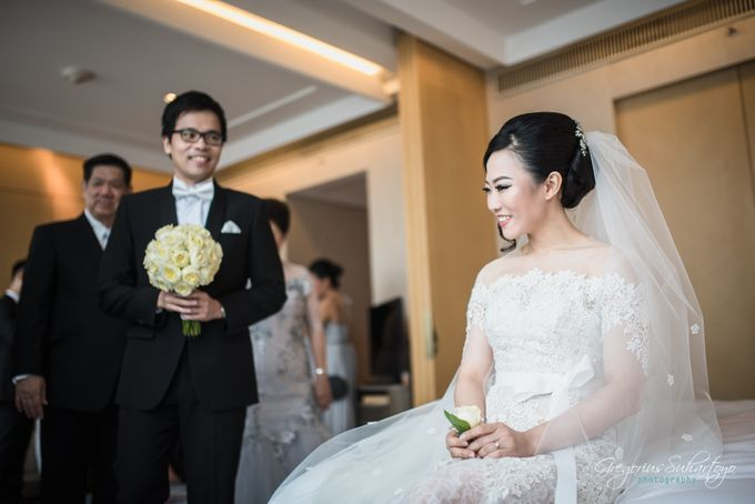 Lovely Wedding of Ramon & Joannita by Gregorius Suhartoyo Photography - 032