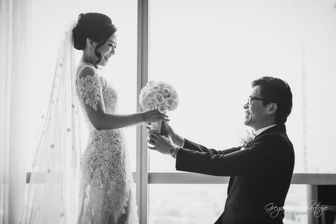 Lovely Wedding of Ramon & Joannita by Gregorius Suhartoyo Photography - 035