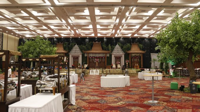 TRADITIONAL WEDDING by Indonesia Convention Exhibition (ICE) - 013