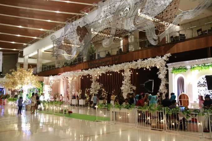TRADITIONAL WEDDING by Indonesia Convention Exhibition (ICE) - 014