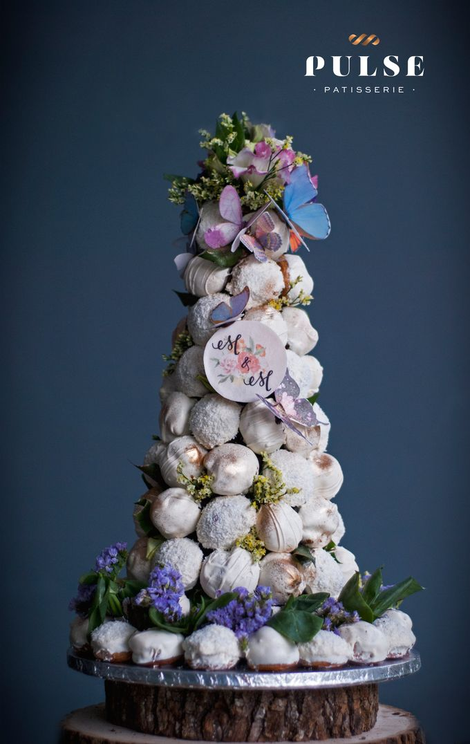 Wedding CROQUEMBOUCHE -Cream Puff Tower by Pulse Patisserie - 030