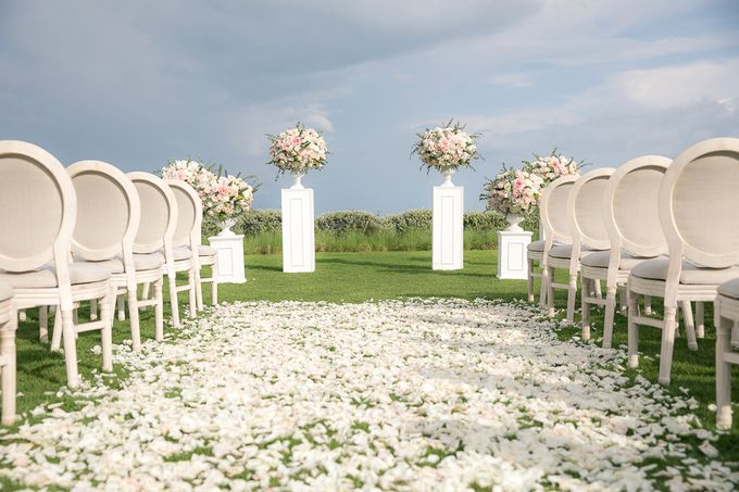 A blooming blush pink Love Story by Wedding Boutique Phuket - 010