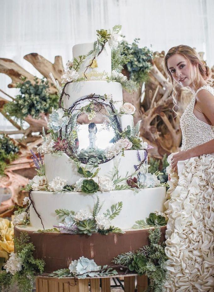Our Wedding Cake Photo Shoot by Kaylakaylie Cake & Bakery - 005