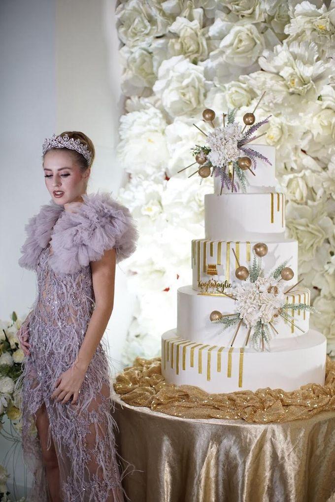 Our Wedding Cake Photo Shoot by Kaylakaylie Cake & Bakery - 017