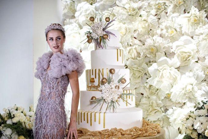 Our Wedding Cake Photo Shoot by Kaylakaylie Cake & Bakery - 018
