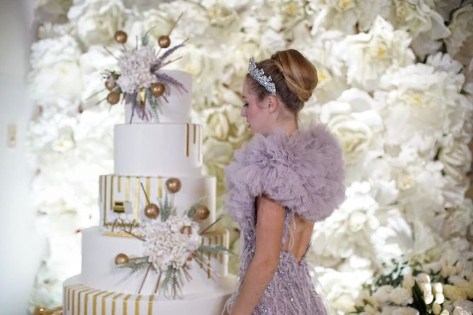 Our Wedding Cake Photo Shoot by Kaylakaylie Cake & Bakery - 019