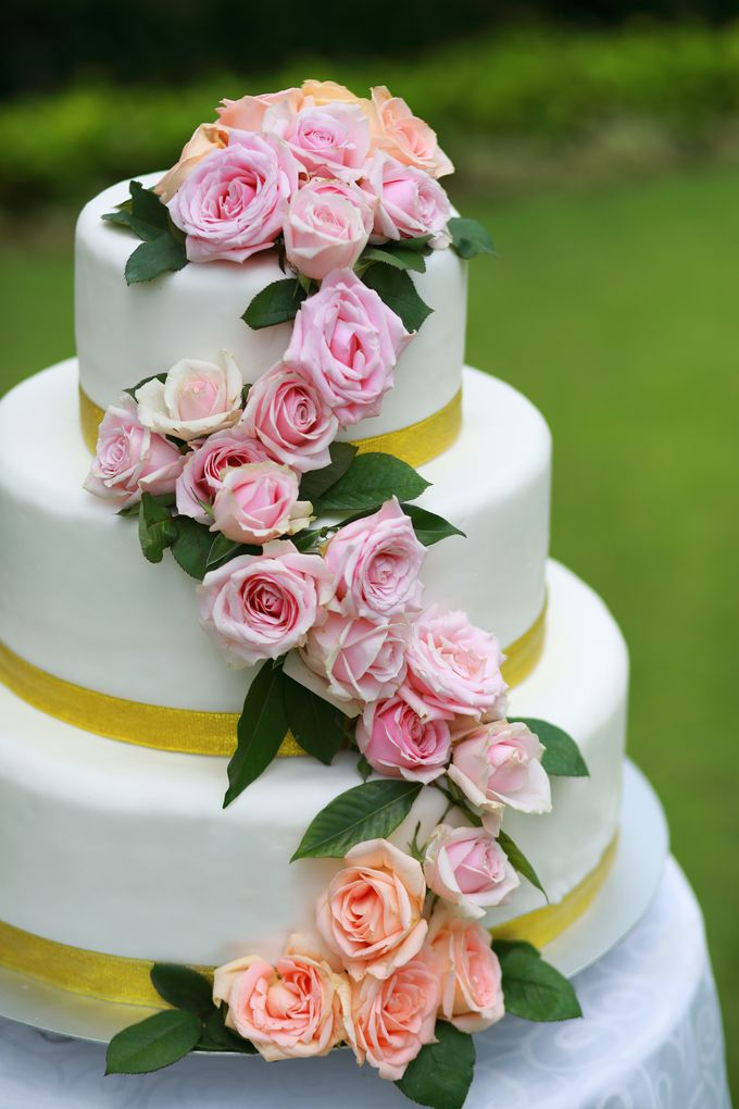 GOLD WEDDING PACKAGE by IMPIANA PRIVATE VILLAS CEMAGI - 004