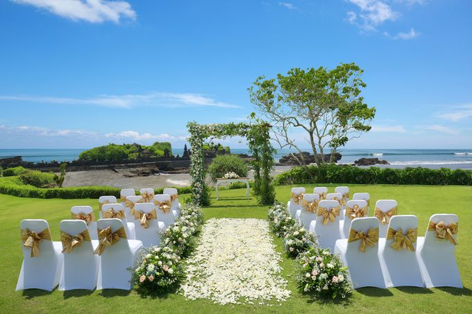 GOLD WEDDING PACKAGE by IMPIANA PRIVATE VILLAS CEMAGI - 006