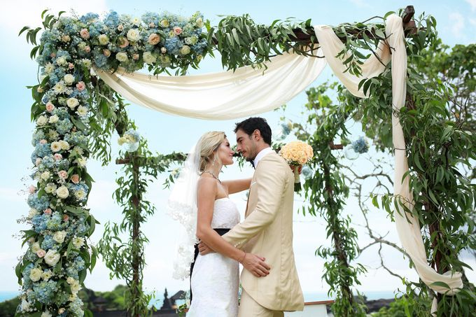 GOLD WEDDING PACKAGE by IMPIANA PRIVATE VILLAS CEMAGI - 007