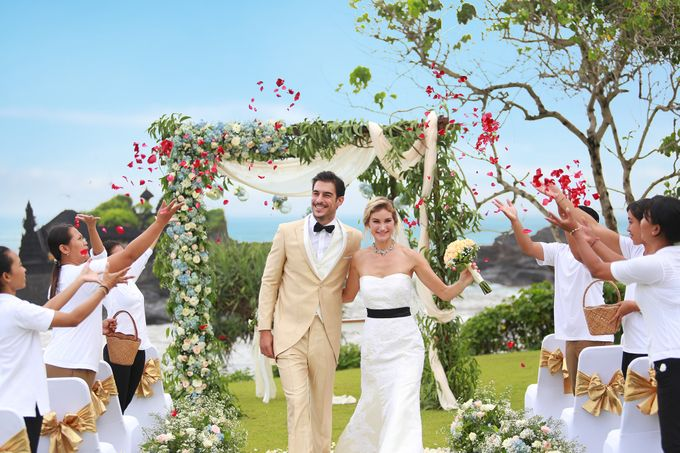 GOLD WEDDING PACKAGE by IMPIANA PRIVATE VILLAS CEMAGI - 008