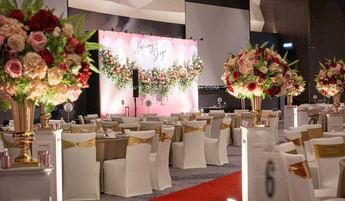 Pinkish Red and Gold Wedding by Glitz&Glam Studiobooth - 006