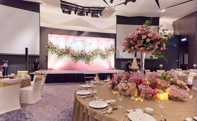 Pinkish Red and Gold Wedding by Glitz&Glam Studiobooth - 007