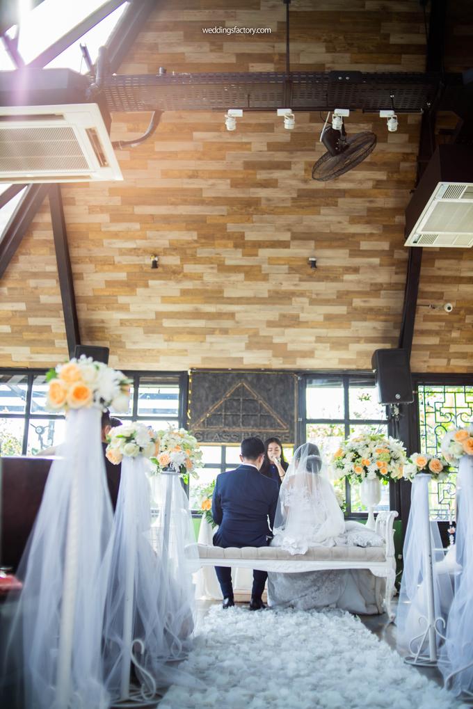 Ardian + Iline Wedding by Wedding Factory - 015