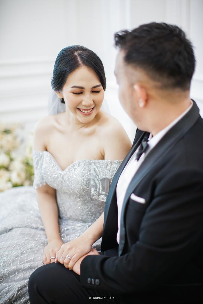 Jonathan + Prawinda Prewedding by Wedding Factory - 001