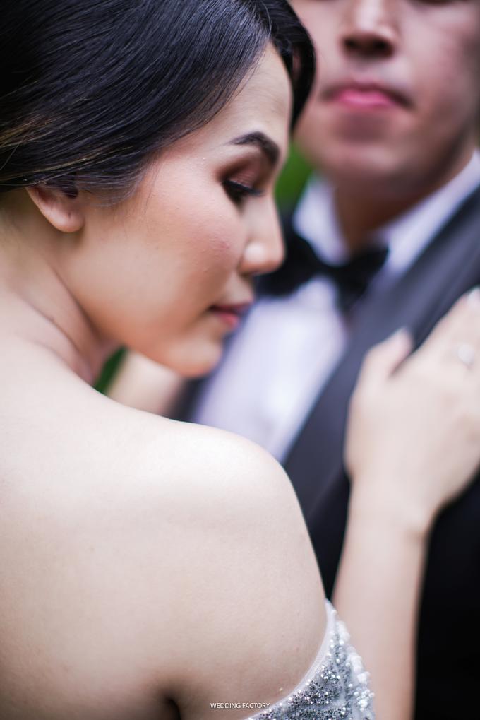 Jonathan + Prawinda Prewedding by Wedding Factory - 002