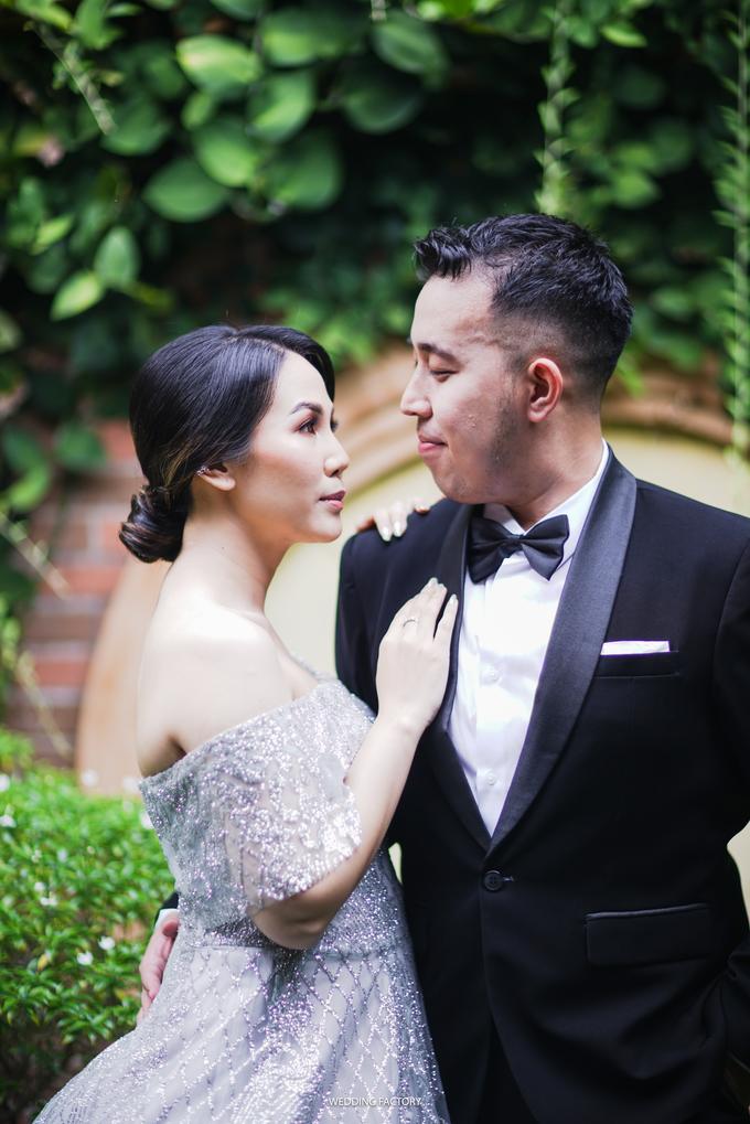 Jonathan + Prawinda Prewedding by Wedding Factory - 003