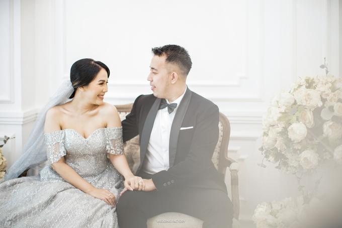 Jonathan + Prawinda Prewedding by Wedding Factory - 004