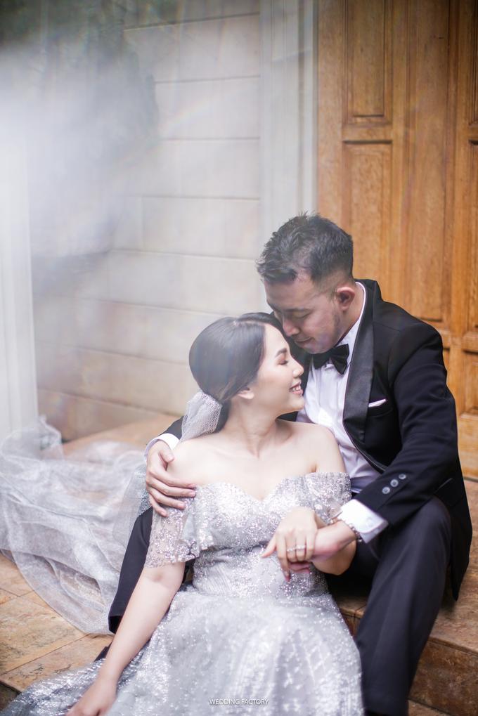 Jonathan + Prawinda Prewedding by Wedding Factory - 006