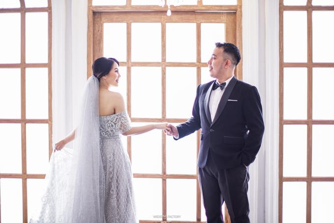 Jonathan + Prawinda Prewedding by Wedding Factory - 007