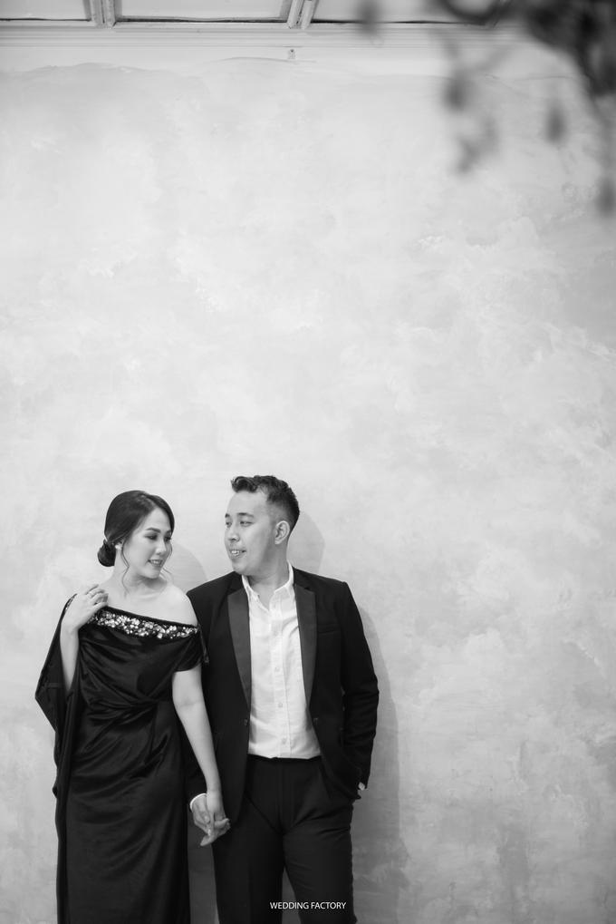 Jonathan + Prawinda Prewedding by Wedding Factory - 009