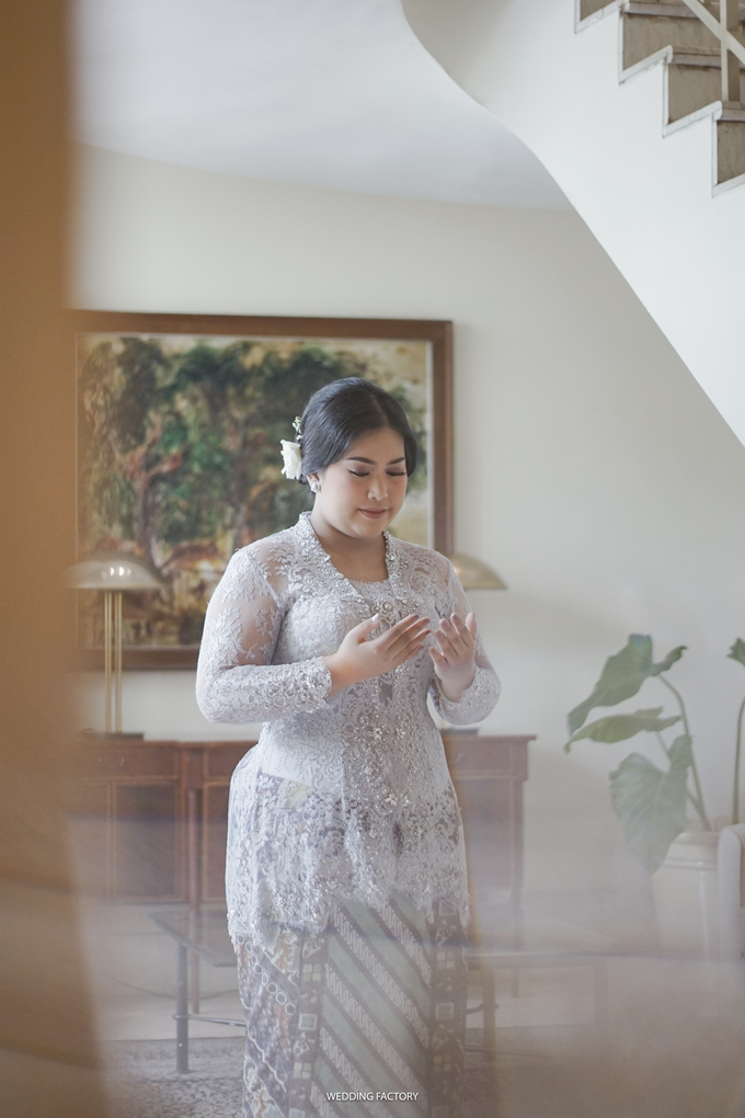 Andintia + Taufan Engagement by Wedding Factory - 005