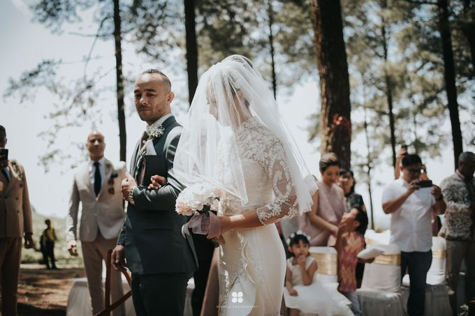 Wedding Day by Daniel S - Anthony & Amelia by Miracle Photography - 014