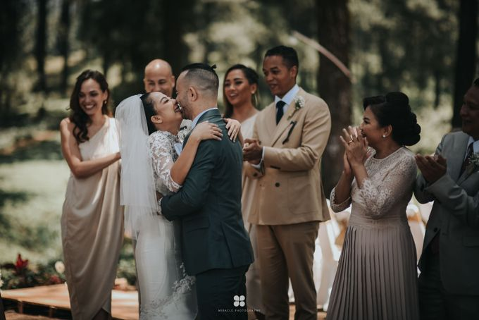 Wedding Day by Daniel S - Anthony & Amelia by Miracle Photography - 040