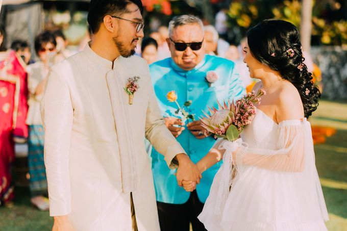 The Beautiful Multicultural Wedding of George & Yaya by d'Oasis Florist & Decoration - 005