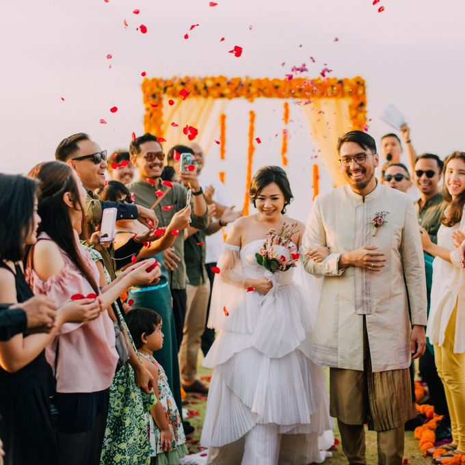 The Beautiful Multicultural Wedding of George & Yaya by d'Oasis Florist & Decoration - 015
