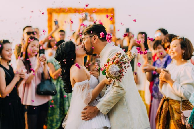 The Beautiful Multicultural Wedding of George & Yaya by d'Oasis Florist & Decoration - 013