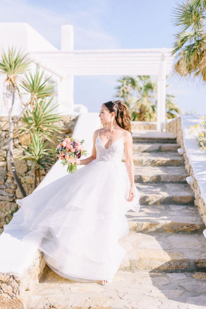 An amazing wedding in Mykonos by Elias Kordelakos - 011