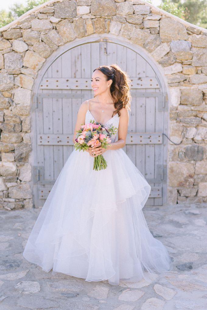 An amazing wedding in Mykonos by Elias Kordelakos - 012