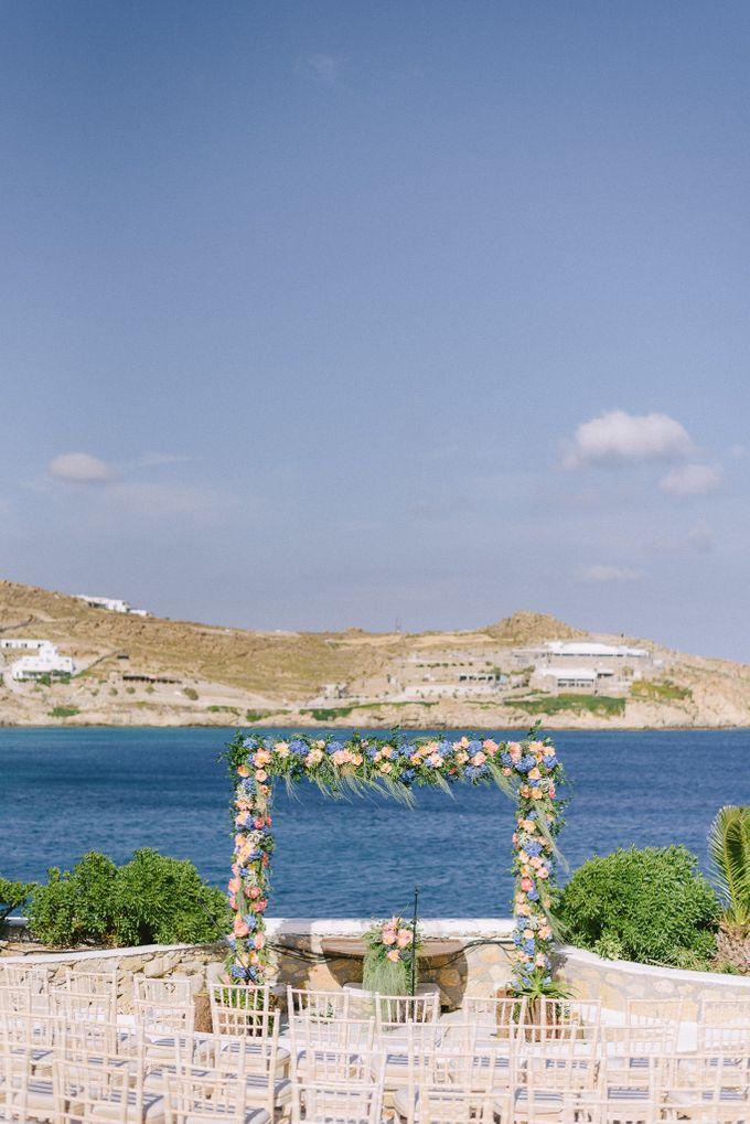 An amazing wedding in Mykonos by Elias Kordelakos - 015