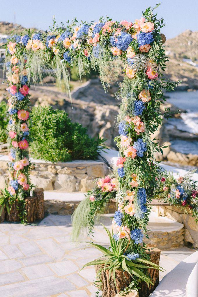 An amazing wedding in Mykonos by Elias Kordelakos - 016